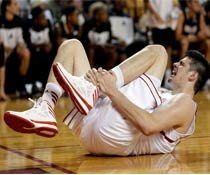 athlete got knee injury